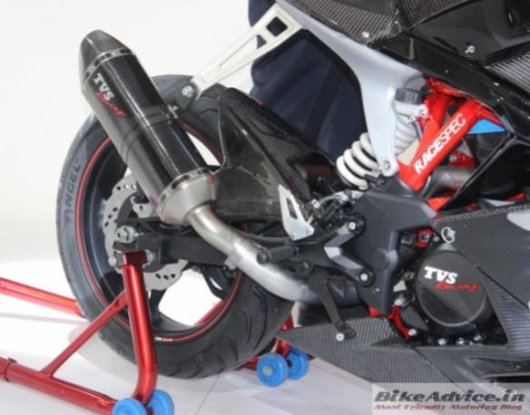 TVS-Akula-310-Motorcycle-Pics-tyre-632x496